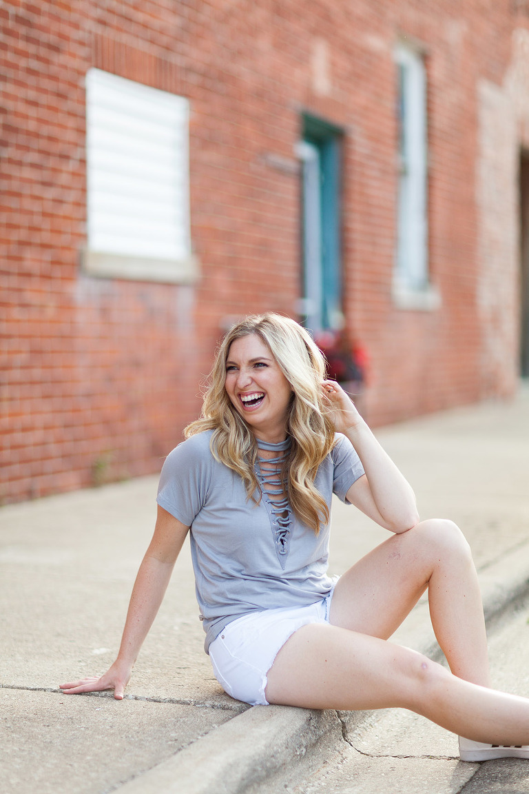 Peoria Photographer Hello Dolly Online Clothing Boutique Trunk Show Trendy Clothes Central Illinois Photography